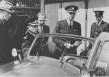 S.K.-Polizei Inspektion durch britische Offiziere-5